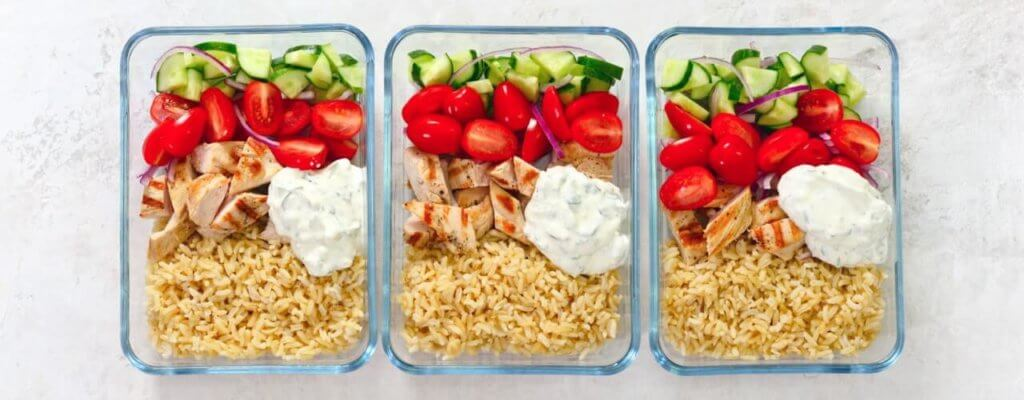 healthy meals in lunch boxes